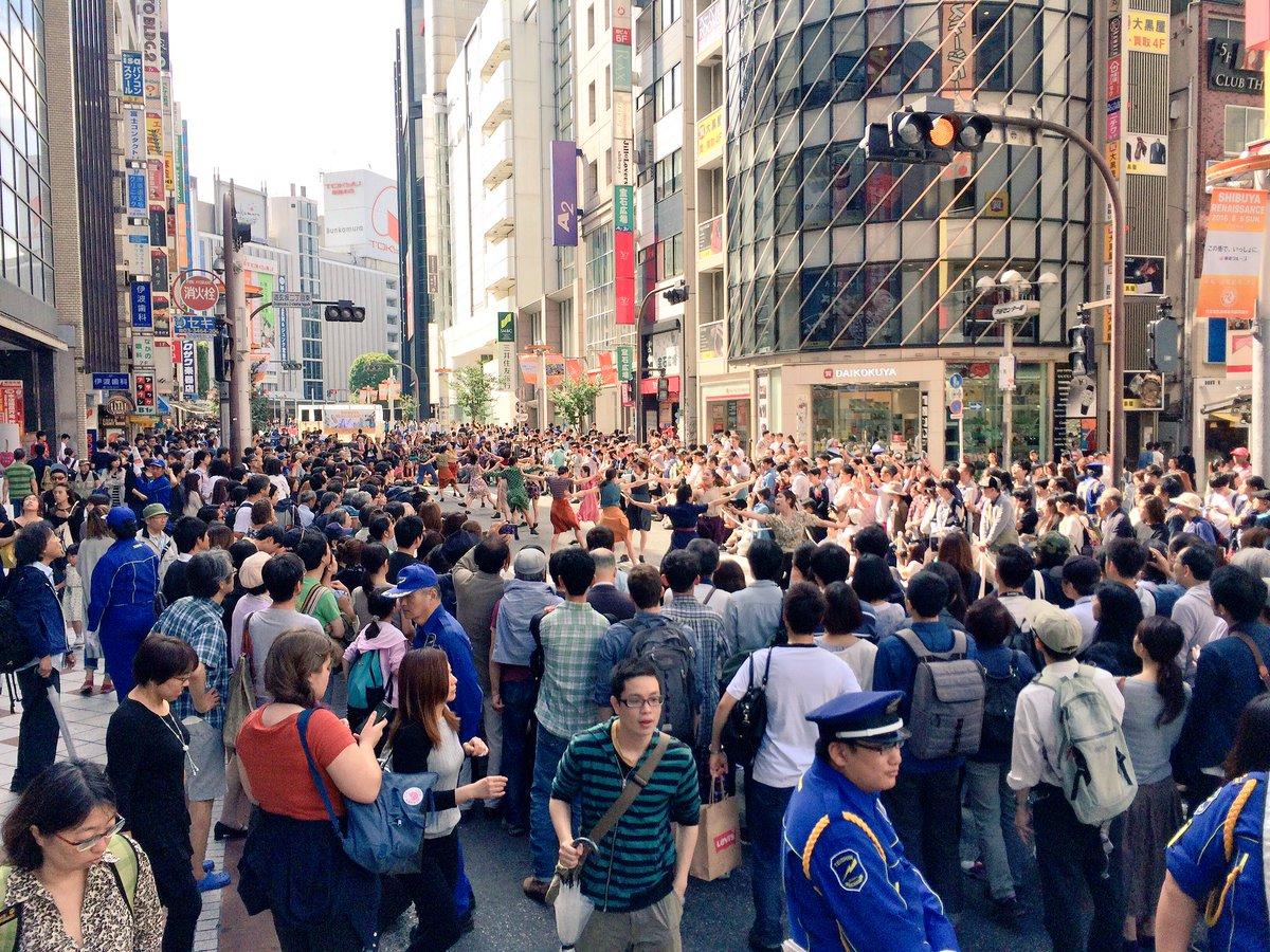 「渋谷 雑踏」の画像検索結果