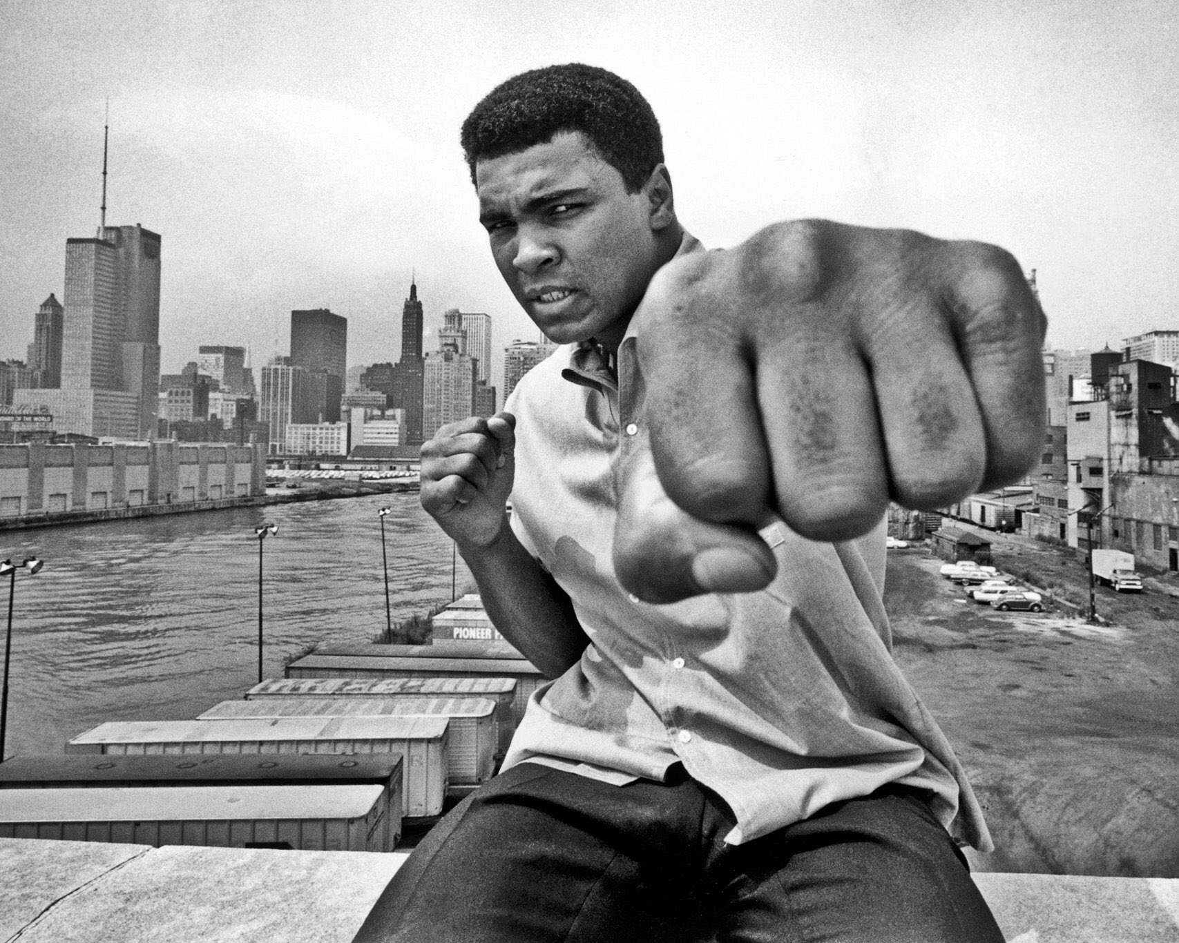 RIP to Muhammad Ali... More than just a sportsman.. An inspiration to millions in many ways! https://t.co/rLSbulkcwx https://t.co/6FSgqHWnMs