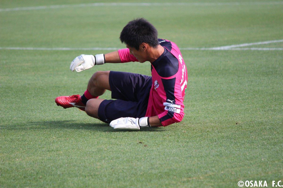 トレーニング中の #丹野研太 選手。gkのトレーニングは非常に厳しいですが、いつも誰よりも大きな声でチームを鼓舞してくれています。  - scoopnest.com