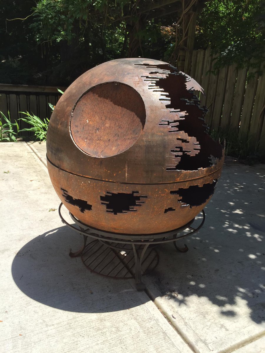 #Geek Awesome of the Day: #Steampunk-ish Rusty #StarWars #DeathStar Fire Pit  via @GrantsWilson #SamaCuriosities