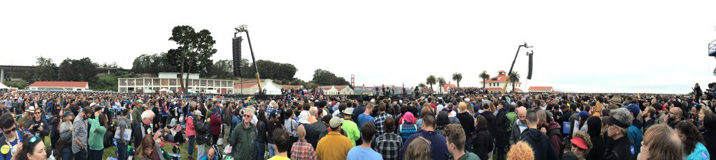 Brothers & sisters get out the vote! #SanFrancisco is feeling the Bern! #BernieinSF #CaliforniaPrimary #feelthebern https://t.co/lFPd1mC0Oj