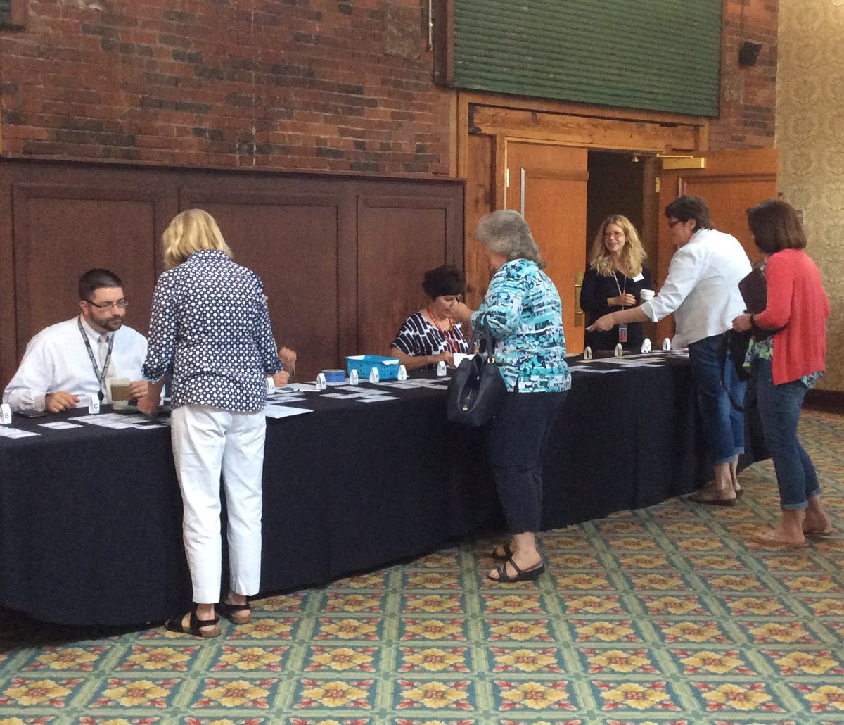 Registration for #apsignite2016 @MannionMegan and @rbfloccari #soorganized https://t.co/Ny0JKgbl6m