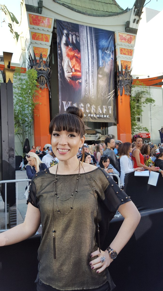 Waiting for the #warcraftmovie premier to start! I'll let you know how it is! https://t.co/633aDWUrDB