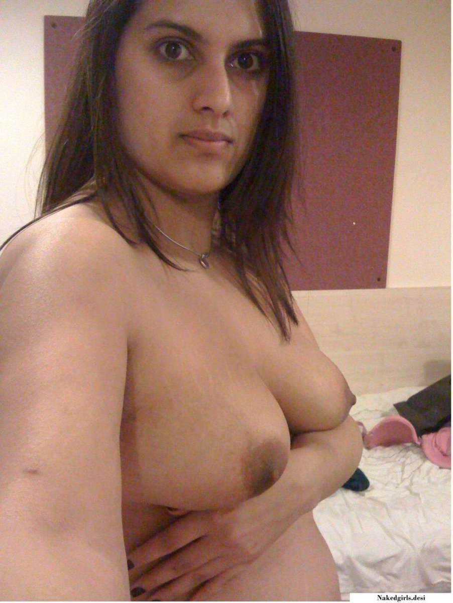 naked big breast am