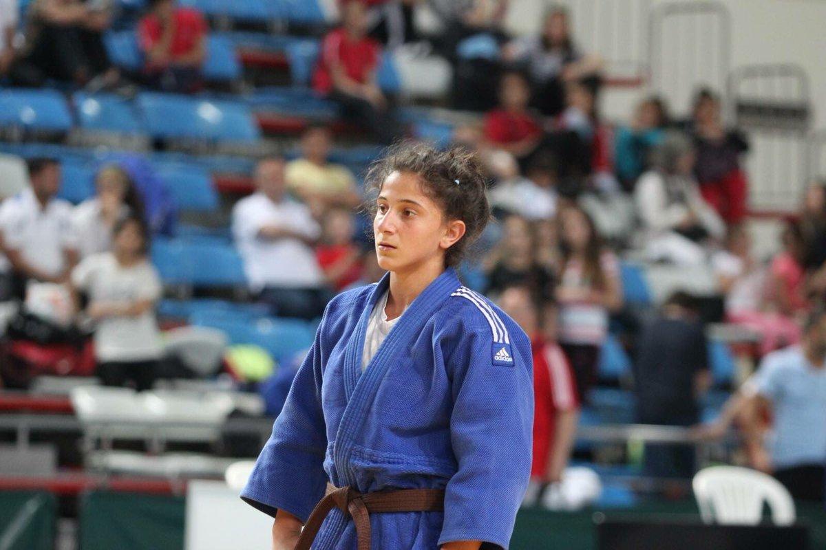 Türkiyəli qız Bakıda qızıl medal qazandı -