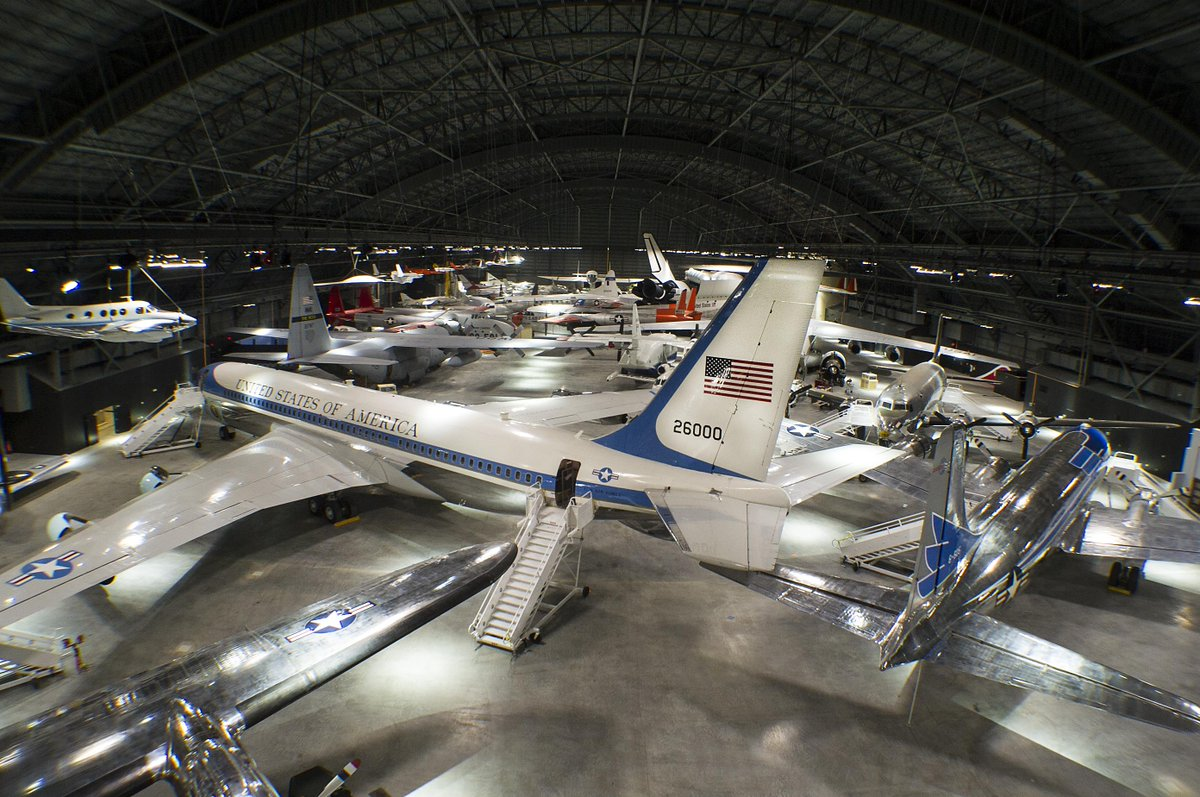 1 day till #4thbldg opens! See 4 galleries including #Presidential Gallery with #JFK #AirForceOne. @89thAirliftWing https://t.co/3cFi579833