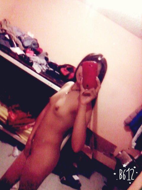Nude Selfie 5940
