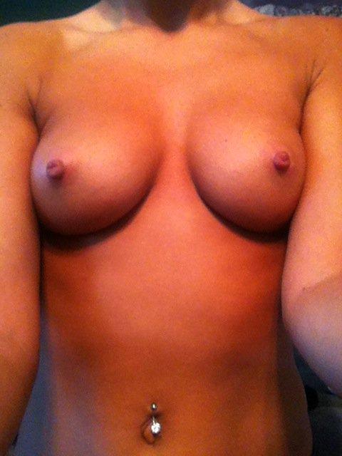 Nude Selfie 5995