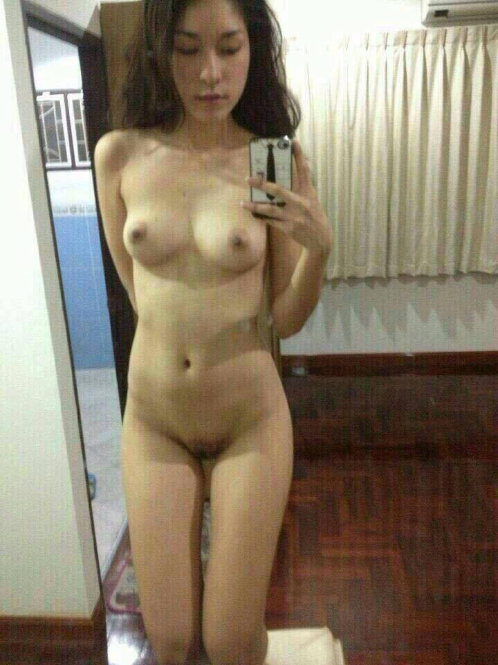 Nude Selfie 6000