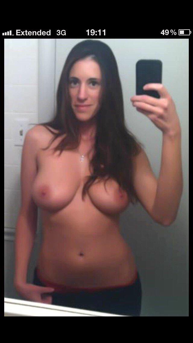 Nude Selfie 6040