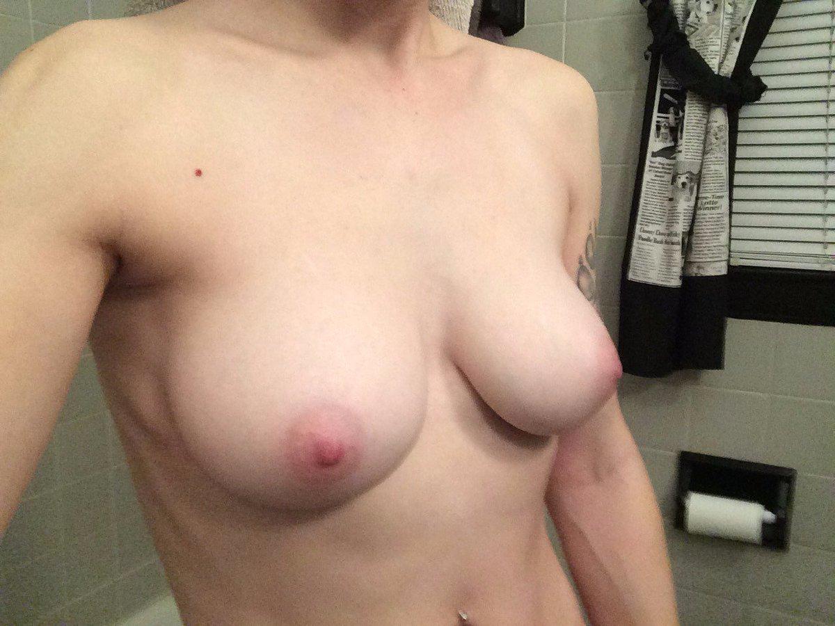 Nude Selfie 6042
