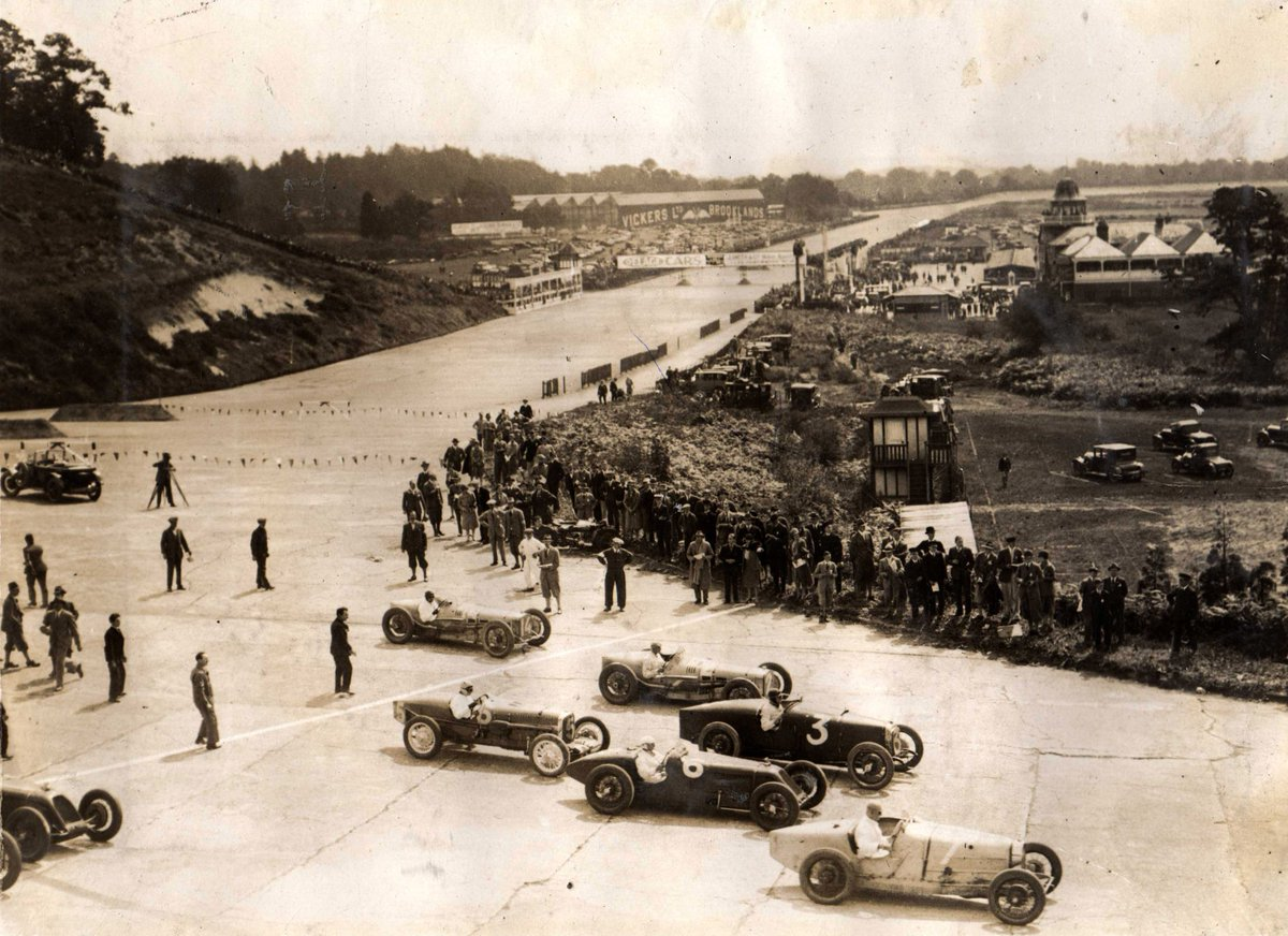 The #BritishGP is about to start! Here is what the start looked like at 100 years ago at Brooklands. https://t.co/wrISQScvS8