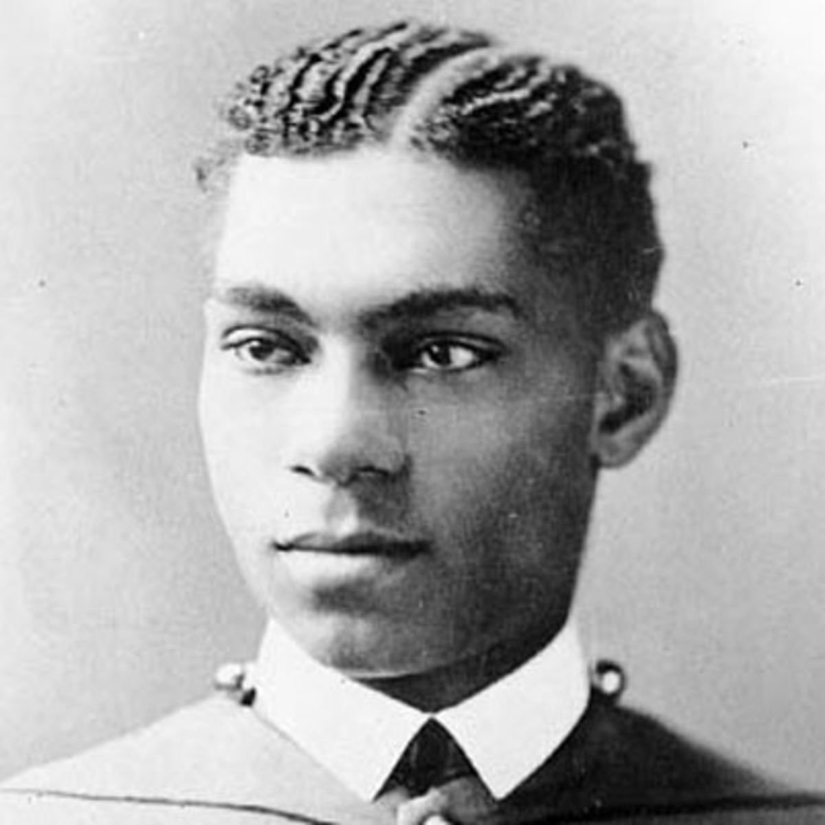Today-1877: Henry Ossian Flipper, became the first African American to graduate from @WestPoint_USMA #history https://t.co/gMQKUQ8OCR