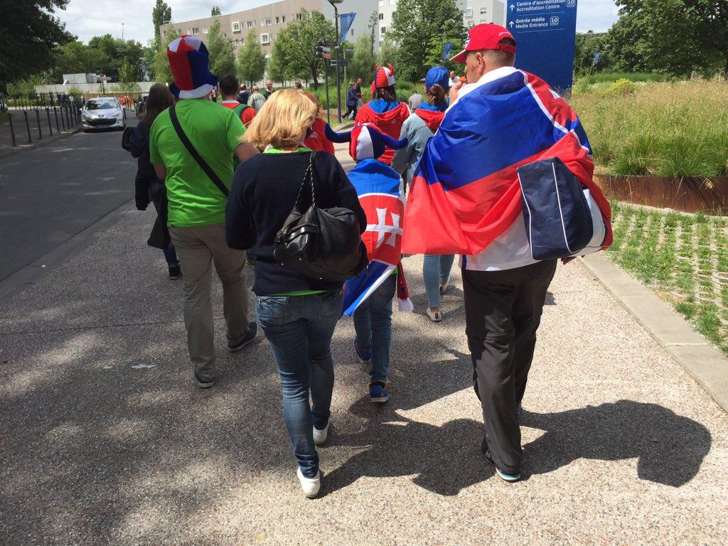 Чемпионат Европы по футболу 2016 - Страница 4 Ck_SqEsWsAAaAll
