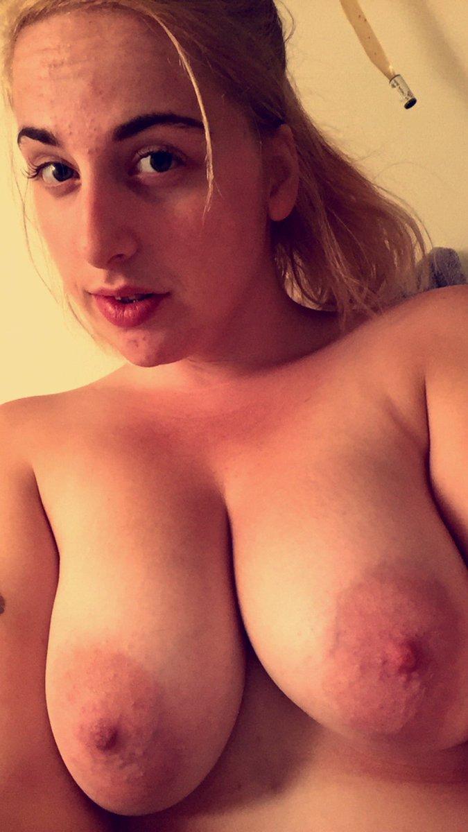 Nude Selfie 6210