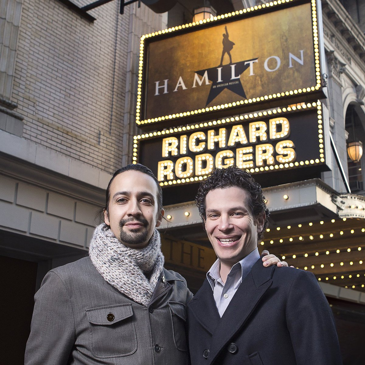 Wesleyan announces #HamiltonPrize with 4-yr full tuition scholarship @Lin_Manuel #ThomasKail https://t.co/20txlYLfQ7 https://t.co/HoloPkCfZO