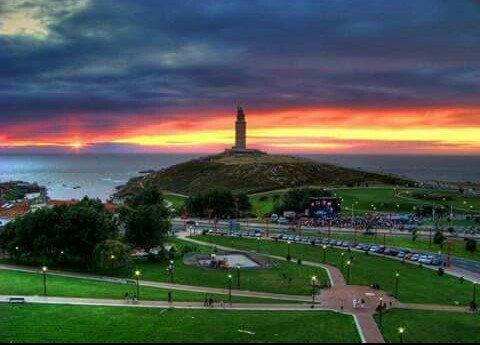#Coruña #TorreDeHercules #NoloHayMasBonito pic.twitter.com/bNYGsoElip