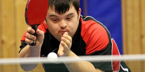 Harry is world's 1st person w Down's syndrome to officially qualify as table tennis coach https://t.co/kXzj1jl4Bo https://t.co/EXtcG7bzXX