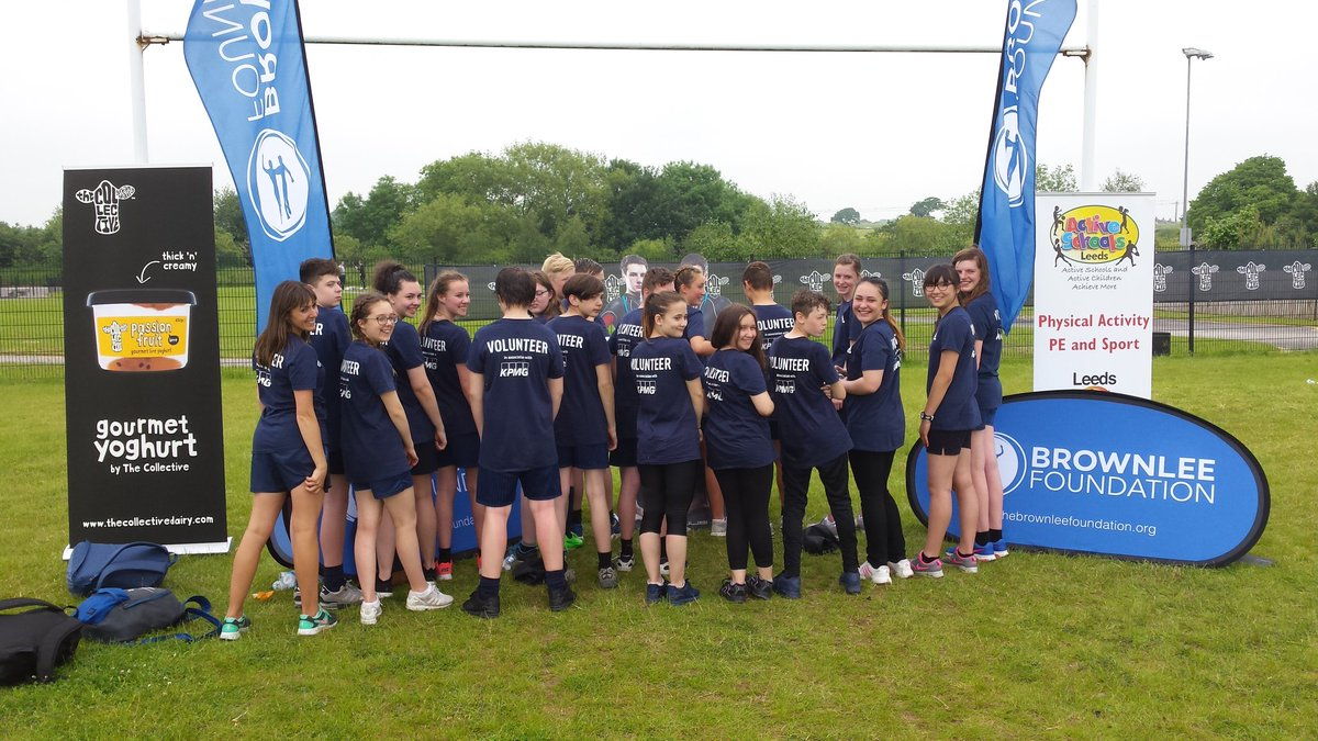 Great young leaders from @SmeatonAcademy made the @brownleefdn minitri run like clockwork! Great work guys!