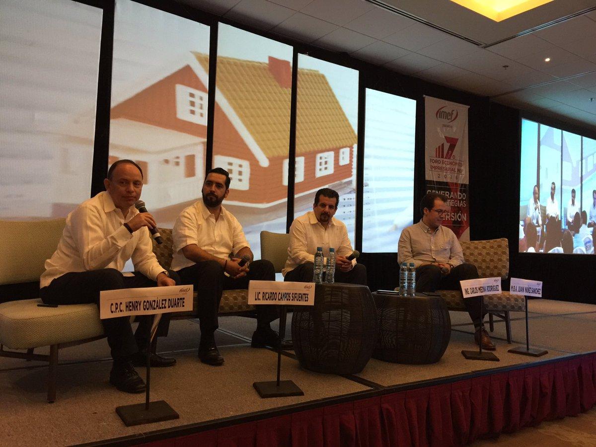 """Panel inmobiliario del #ForoIMEFYucatan """"Hay más dinero que buenas ideas"""" @IMEFOficial @EYnews https://t.co/JOQR87M9bC"""