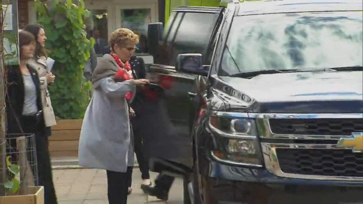 WATCH: Do as I do, not as I say? Premier Wynne leaves climate change announcement in SUV.  https://t.co/4p8PfXuR6u https://t.co/14PCfm8Spt