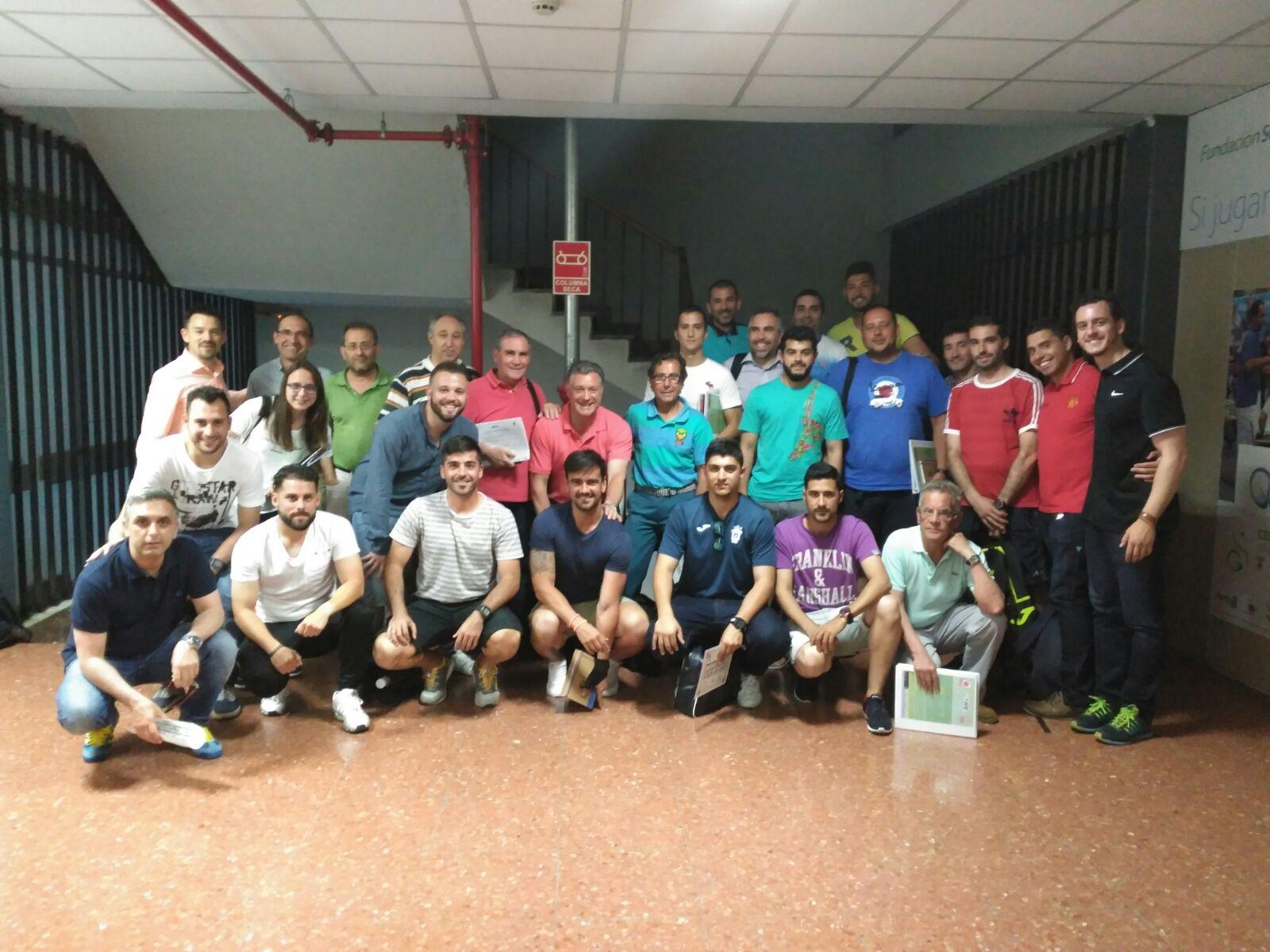 TecnificaciónTáctica @TacticaDeFutbol 8 jun. Gran final para el Curso Básico de Análisis del Juego en Fútbol. Gracias a todos los alumnos y al equipo de trabajo.