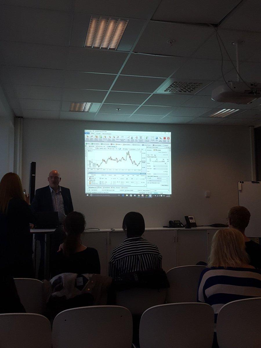 Klart for @oddbjorndevik som snakker om utviklingen i handelsmarkedet for finansielle verdipapirer. #tech4thefuture https://t.co/J9wFyRVspL