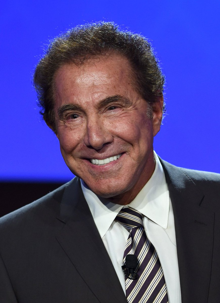 hmm  casino mogul steve wynn looks a lot like wayne newton