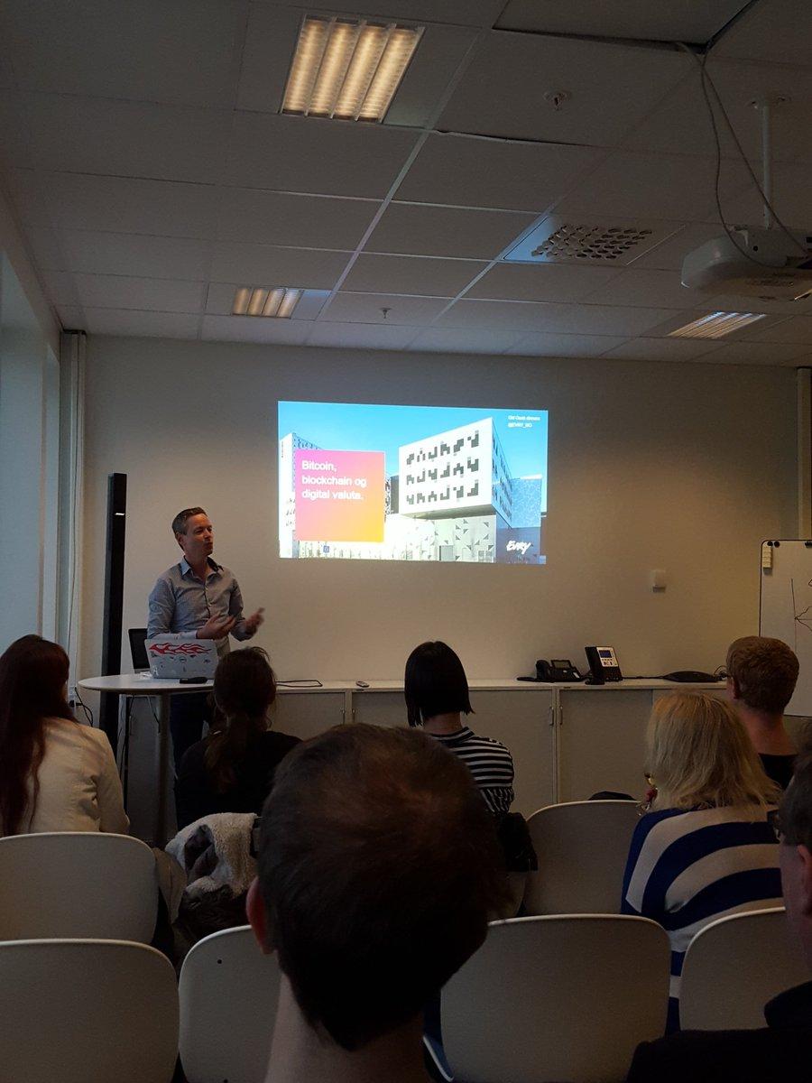 Magne Meldal jobber i Evry Trondheim, snakker om Bitcoin, blockchain og digital valuta. #tech4thefuture #ggdtrd https://t.co/WSiKTDGWs5
