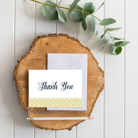 #GIVEAWAY TIME! Win a free set of 10 adorable thank you cards! Full entry details: @lovemephotography on Instagram. pic.twitter.com/BMoupwwzXe