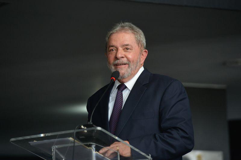 Lula venceria 1º turno em os todos cenários apontados por pequisa CNT/MDA https://t.co/onXjc0smXT