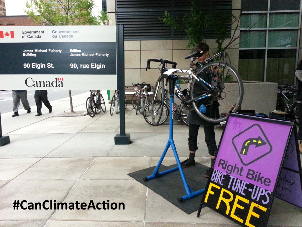 Free bike tune-ups  today @FinanceCanada! #EnviroWeek #CANClimateAction https://t.co/KpK2g1XWLP