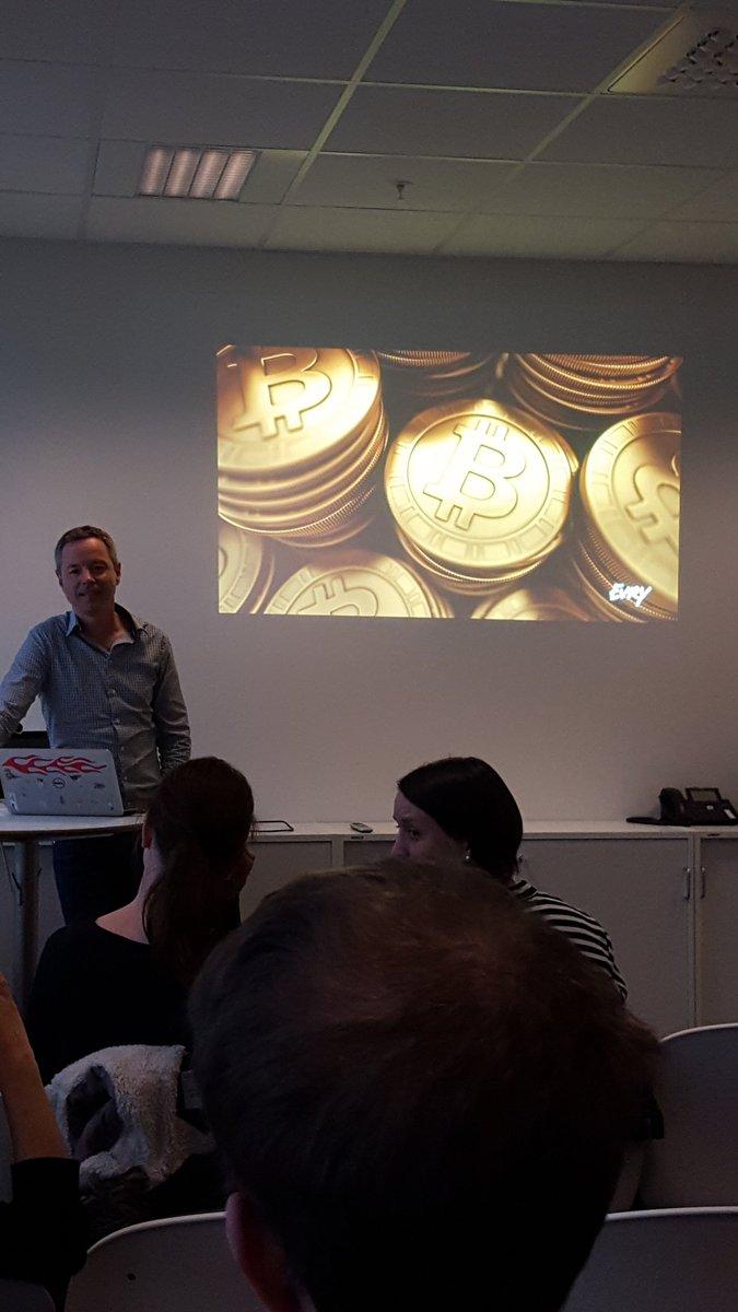 #Handel med bitcoin.  Det er en digita valutta som ikke finnes fysisk. #tech4thefuture #ggdtrd https://t.co/VDnNV1ESBy