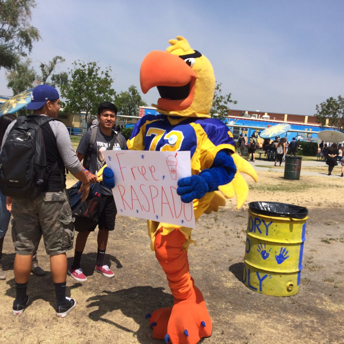 Thanks @LAUnitedWay layouthvote for encouraging students to find their voices - and Joe Parrot too #layouthvote https://t.co/bP08yJCVOy