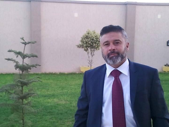 استشهد د. عبدالرحمن الكيسة نقيب المحاميين نتيجة اصابته في معارك تحرير سرت اليوم.. انا لله وانا اليه راجعون https://t.co/hOXrNH6fwi