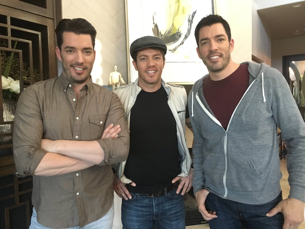 Jonathan Silver Scott On Twitter Come Live Tweet With Us During The Brovsbro Episode Hgtv Starting In 10 Minutes Mrjdscott Mrdrewscott