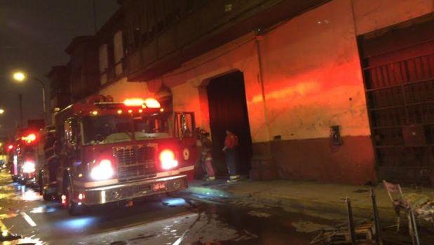 Incendio Es Atendido Por Al Menos 12 Unidades De Bomberos