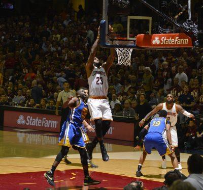 In NBA FInals Game 3, Cleveland @Cavs, @LeBronJames slam Golden State @Warriors. https://t.co/ZnAugoNW0X https://t.co/V8hZtuwpi0