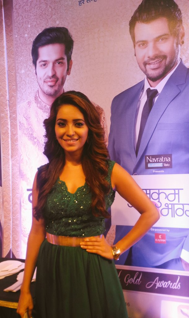 Zee Gold Awards 2016,images,pic,pictures,pic,actress,Asha Negi