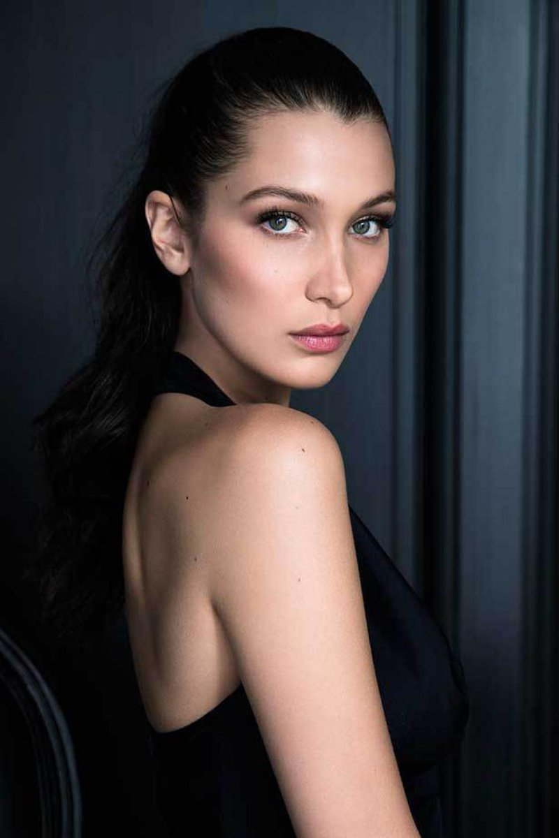 https://t.co/VCdHkd1n4T Premier vlog de @bellahadid x @Dior makeup https://t.co/mnNRT73Q8L