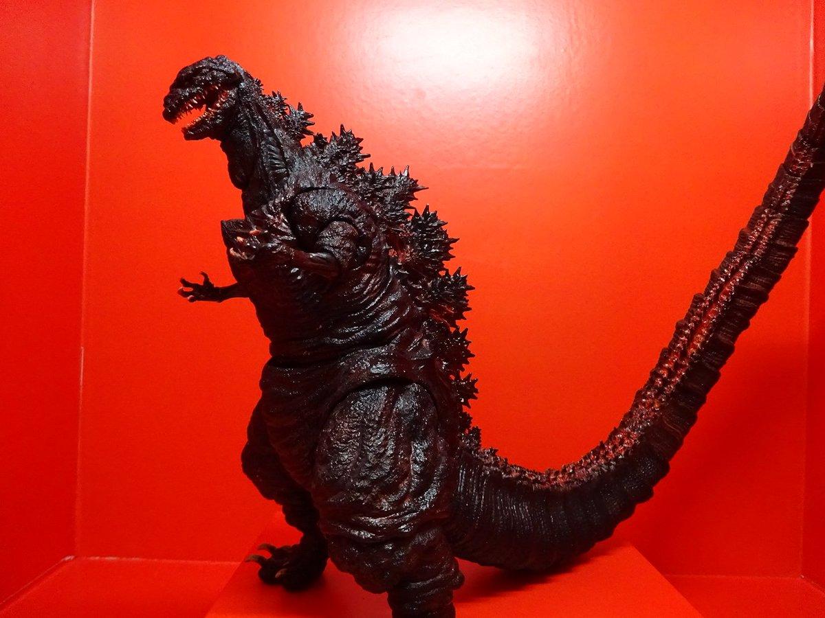 Godzilla's Big Green Burning Thread Ckgk2_VUgAEgIce