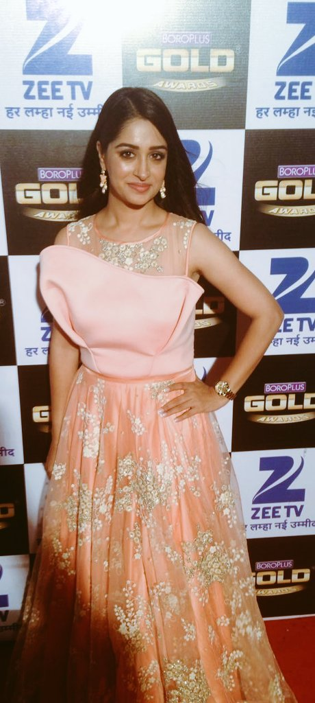 Dipika Kakkar,Zee Gold Awards 2016, Boroplus Gold Awards 2016,image,pic,picture,latest,Sasural Simar Ka