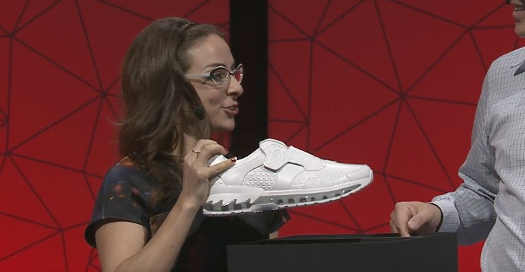 Lenovo shows off a pair of Intel-powered smart shoes