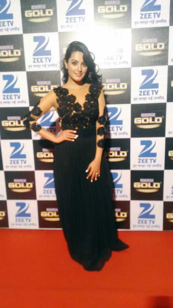 Anita Hassanandani,BoroPlus Gold Swards 2016,Gold Awards,Zee Gold Awards,image,latest,picture