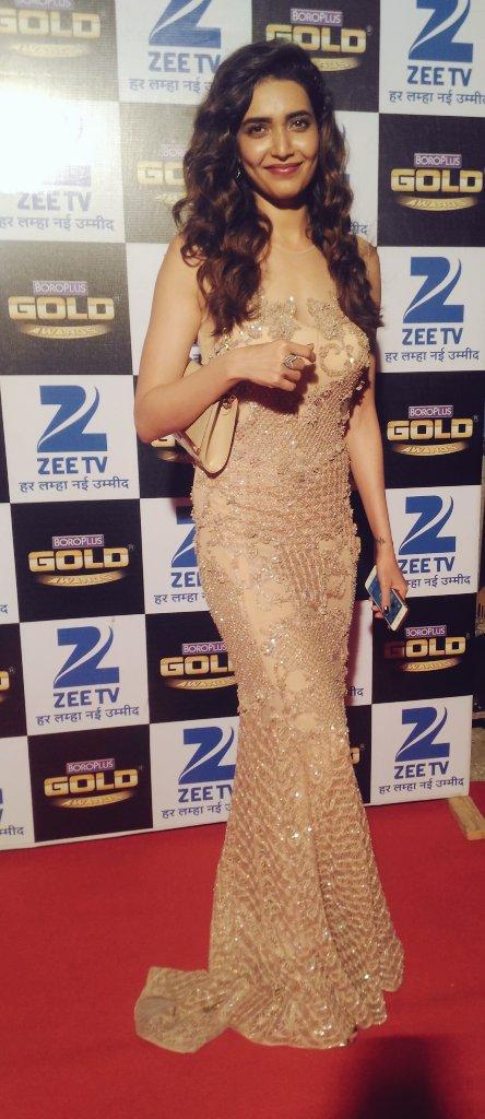 Karishma Tanna,pic,image,picture,photo,Boroplus Gold Awards 2016,Gold Awards,Zee Gold Awards,latest