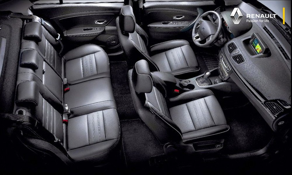 El interior renovado de #RenaultFluence le agradará a toda tu familia. Conócelo: https://t.co/KALC6PHDH2 https://t.co/23wVBM1bKk