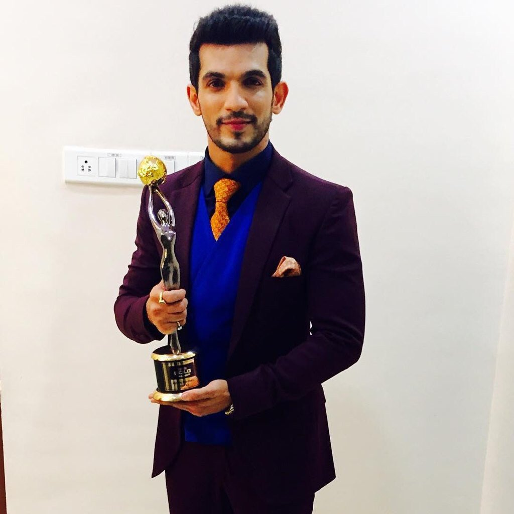 Arjun Bijlani wins award at Borpolus Gold Awards 2016 image-picture