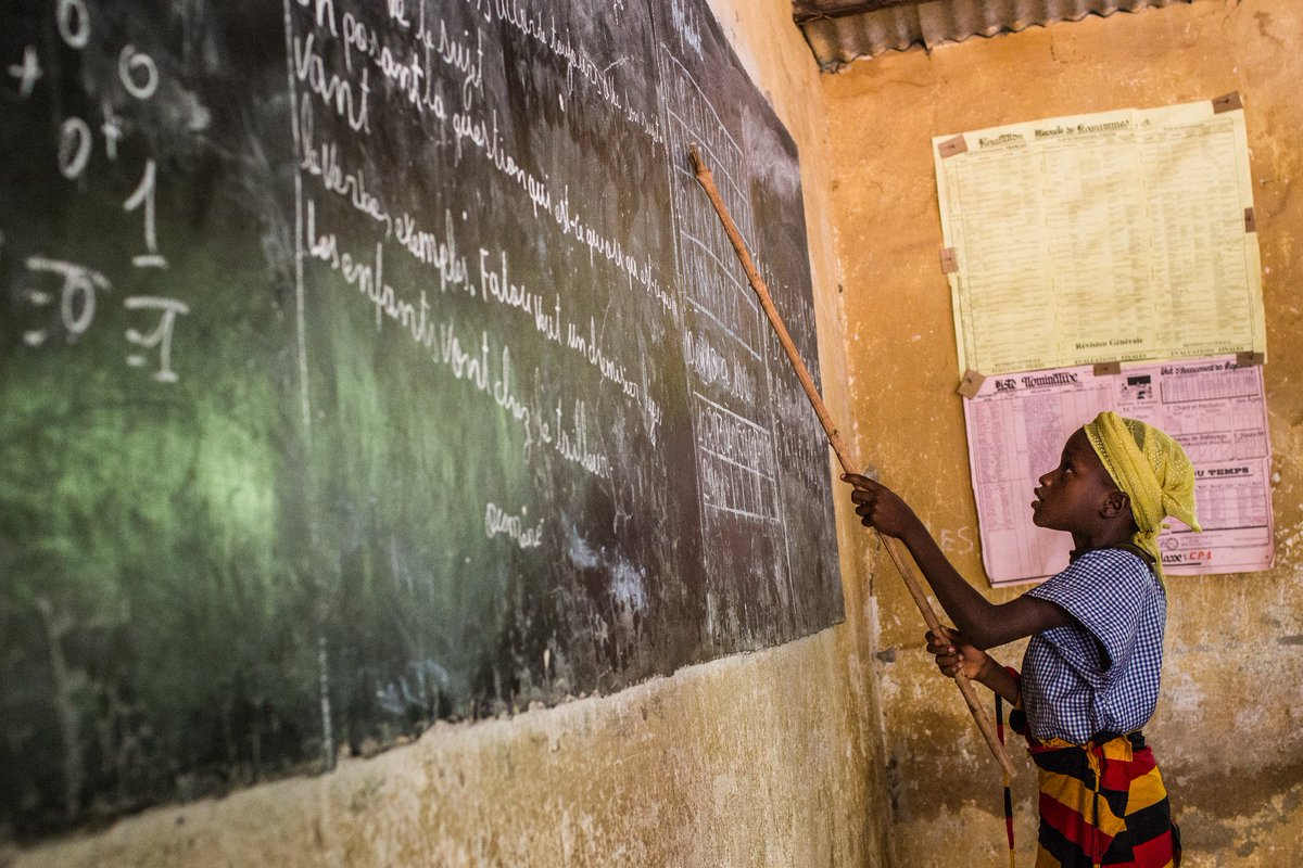 A girl in school is a girl who is empowered. An empowered girl is a girl who will change the world. #LetGirlsLearn https://t.co/qLLRENzJ77