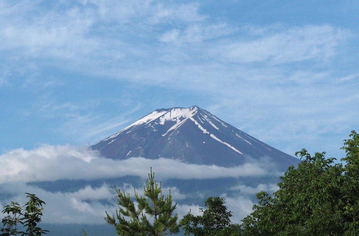 「毎日富士山」2016年6月10日。梅雨の晴れ間。OM-D E-M10 ズイコー40-150mm/F4-5.6 で撮影   #fujisan #mtfuji #富士山 #富士山ノ会 https://t.co/kdgWCshGsR