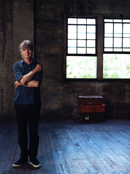 Talked to @NeilFinn about summer plans, songwriting, reissues(!) + wrestling with @liamfinn: https://t.co/rI68HuLYul https://t.co/PzMtbI6DCj